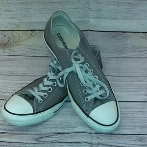 Low top men's gray converse all-star sneakers